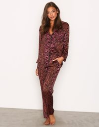 Kjøp  mønstret pysjamas på nett i nettbutikk